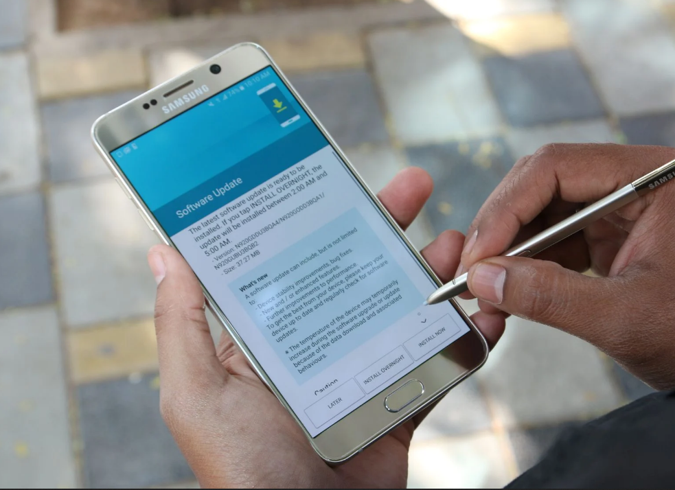 Galaxy Note 5 and Galaxy S6 series receive a surprise firmware update